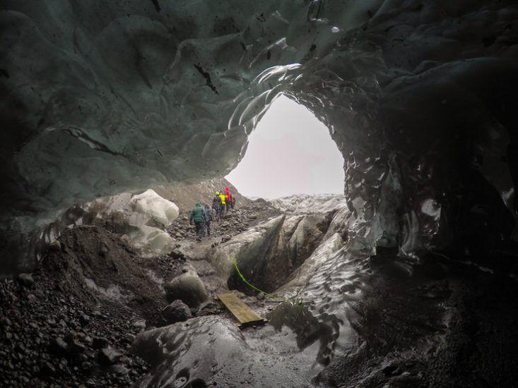 cueva de hielo en Islandia
