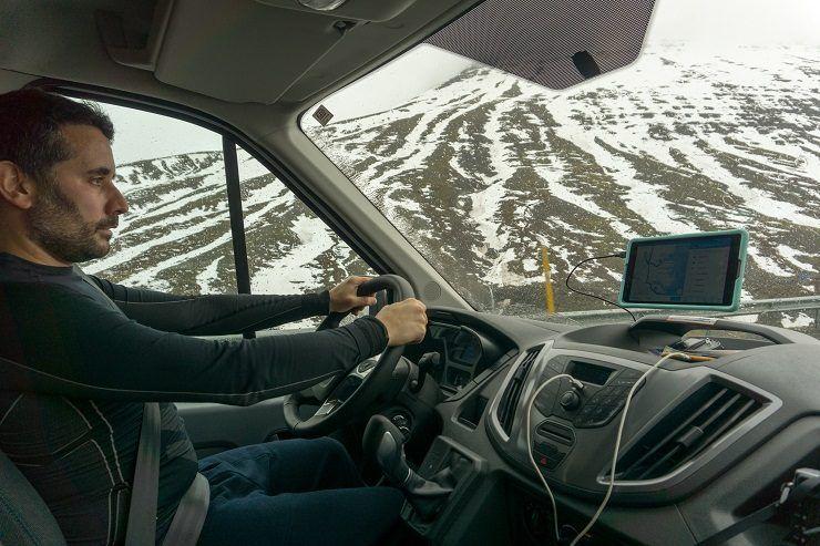 conducir por Islandia