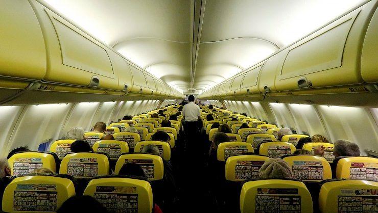 cómo es un avión de Ryanair por dentro