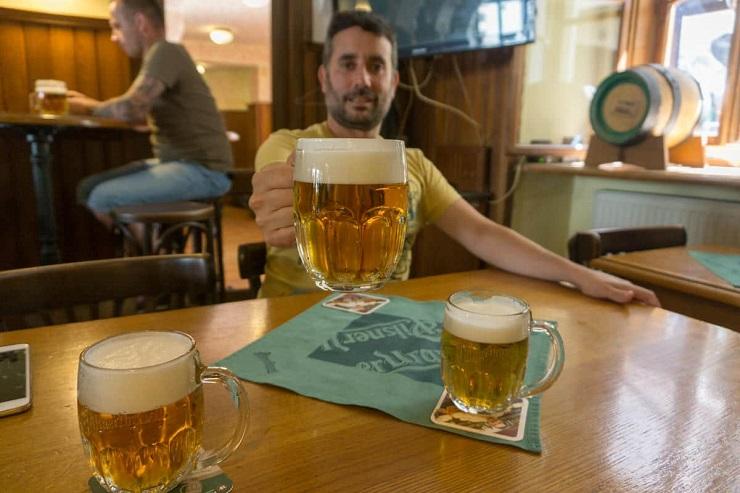 cerveza en Praga