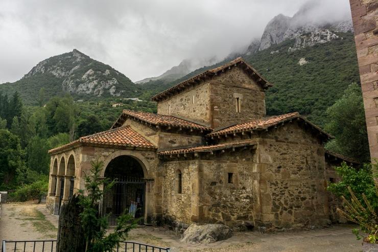 Santa María del Lebeña