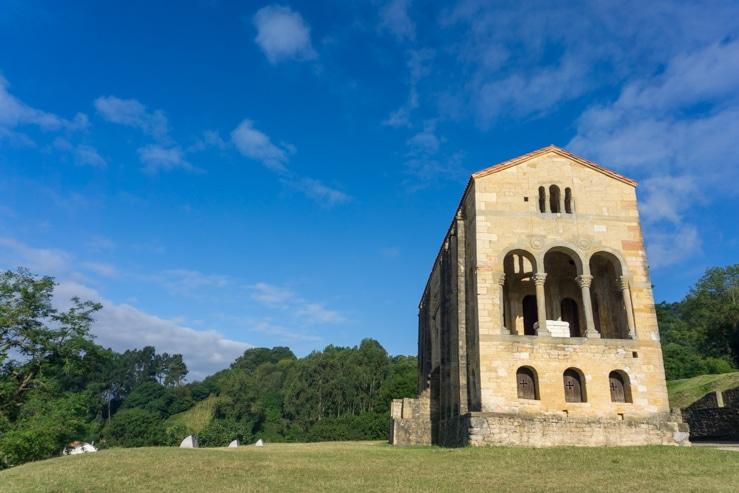 qué ver en Oviedo: Santa María del Naranco